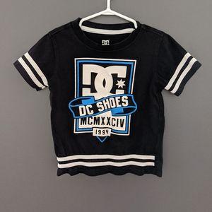 DC shoes black white & blue short sleeved t-shirt